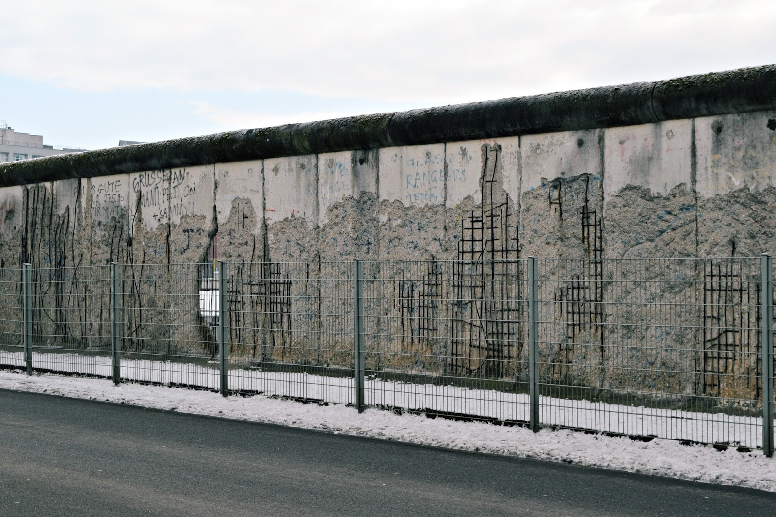 24 hours in berlin wall