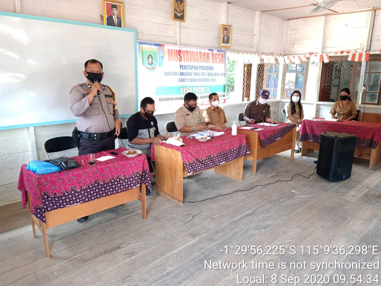 Hadiri Musdes Penetapan Penerima BLT DD, Bhabinkamtibmas Desa Patas Sampaikan Ini