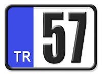 Sinop ilinin plakası olan 57 kodunu gösteren küçük plaka