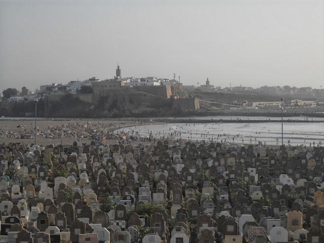 Rabat visto desde el cementerio de Salé