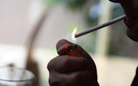 Έπεσε το πρώτο πρόστιμο σε καπνιστή μέσα σε καφετέρια, τον «κάρφωσε» πελάτης