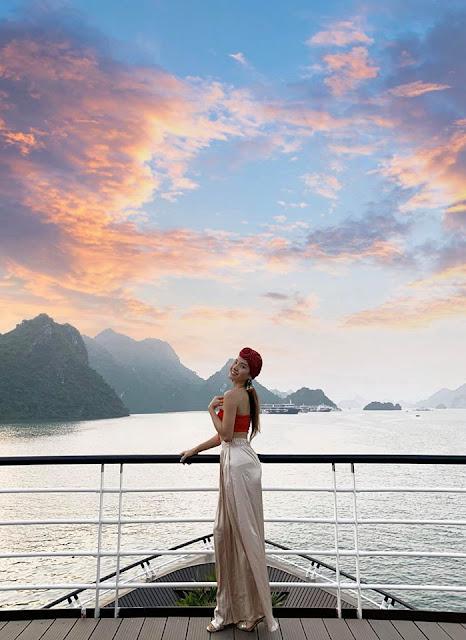 Chùm ảnh Phương Trinh Jolie du lịch Vịnh Hạ Long cực xinh 1