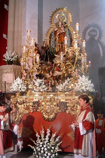 Horario e Itinerario Procesión de la Reina de Todos los Santos. Sevilla 03 de Noviembre del 2019