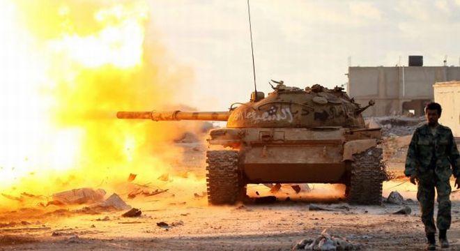 A törökök legjelentősebb bázisát támadta a líbiai hadsereg Tripoliban