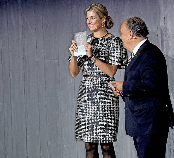 Queen Maxima wore NATAN Dress, CHRISTIAN LOUBOUTIN Pumps, ISABELLE FA Necklace, CARTIER Earrings