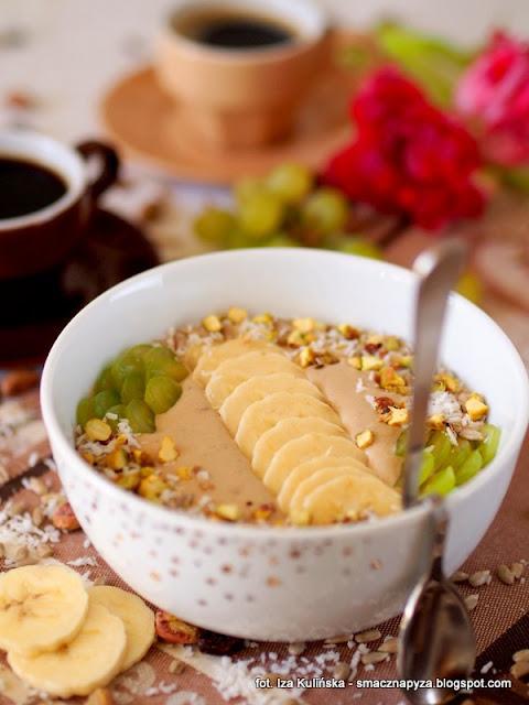 koktajl kokosowo kawowy, koktajl bananowy z kawa, kawa zbozowa, inka, kawa z blonnikiem, mleczko kokosowe, banany, sniadanie mistrzow, co na sniadanie, miseczka szczescia, koktajl kawowy