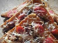 Resep dan cara membuat Pizza Roti Gandum with Sosis dan Ayam Cincang
