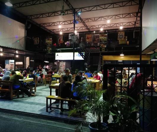 tempat makan gaya hipster, western food, tempat makan menarik, chicken chop sedap
