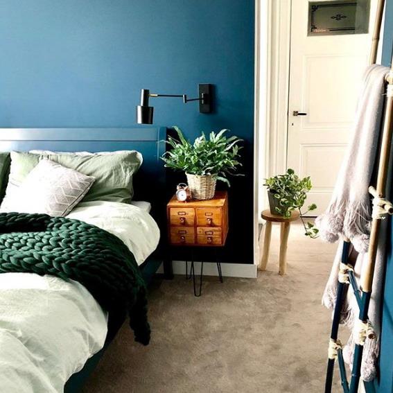 Interior rumah minimalis putih biru
