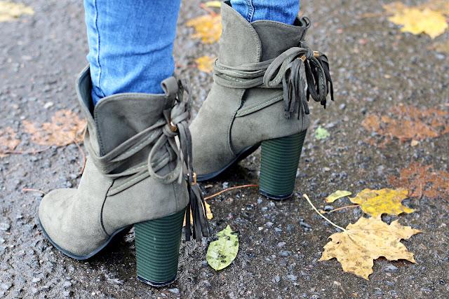 jesienne inspiracje, jesienne must have, jesienny płaszcz, jesienny styl, Uashmama, novamoda style, Novamoda streetstyle, blog po 30ce, miodowy płaszcz, botki, oliwkowe botki, jak nosić, kolory jesieni