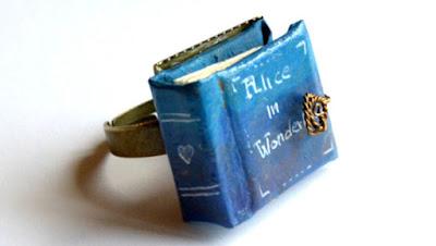 ring 3 - 10 Anéis para apaixonadas por livros