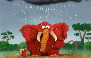 Dorothy imagines Elmo as a little mouse in nature getting clean and a big elephant. Sesame Street Elmo's World Bath Time Tickle Me Land