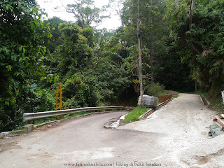 hiking bukit bendera