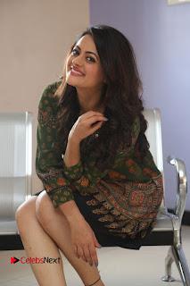 Actress Shruti Sodhi Pictures at Meelo Evaru Koteeswarudu Trailer Launch  0179.JPG