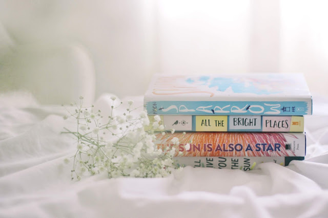 10 BOOKS TO READ THIS SUMMER- whether you're planning on curling up in bed or lounging out at the beach, these books make a perfect summer reading list.