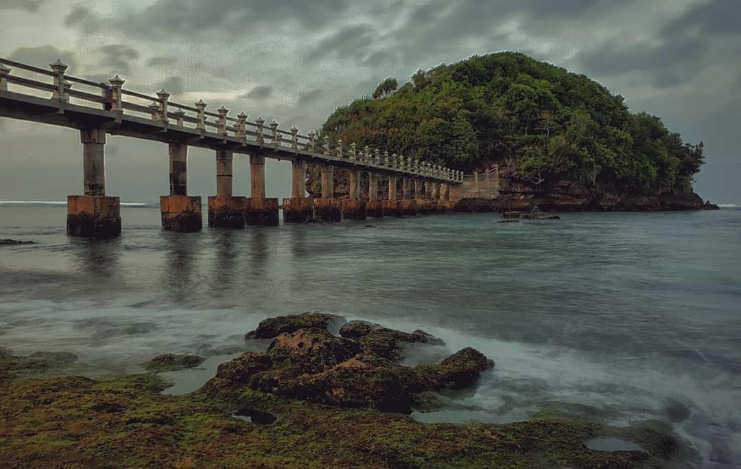 Pantai Jembatan Panjang Malang Selatan