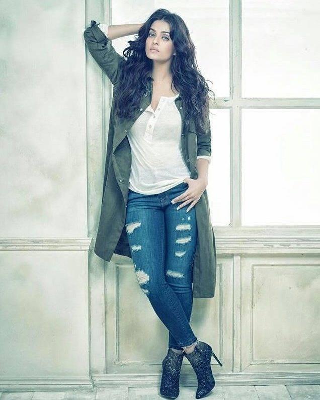 Aishwarya Rai on Cover of Filmfare Magazine Issue India November 2016
