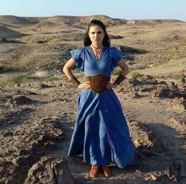 Vestido azul, Aruna (Thais Melchior), A terra Prometida, figurino