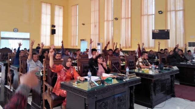 Bah Fuang, DPRD Usulkan Pemberhentian Walikota Pematangsiantar Hefriansyah