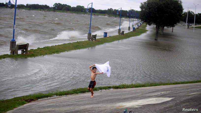 ترقب لوصول الإعصار سالي إلى الخليج الأميركي