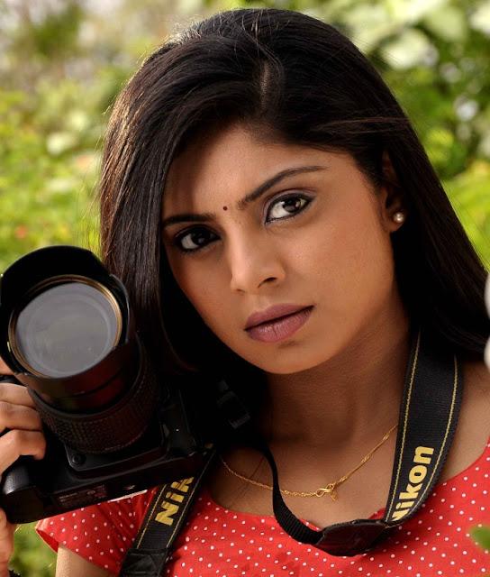 Tamil Actress Shikha Latest Hot Pics Navel Queens