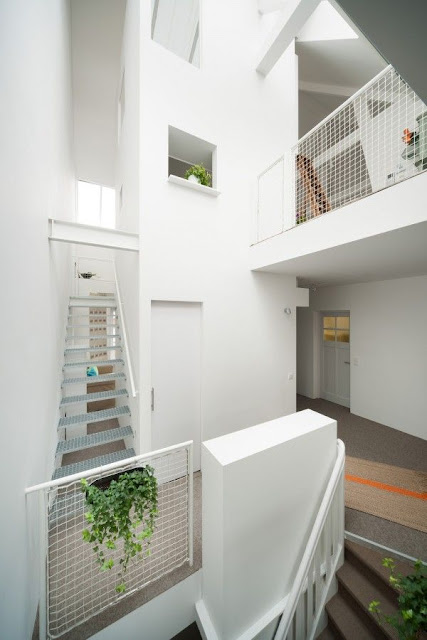 front staircase design