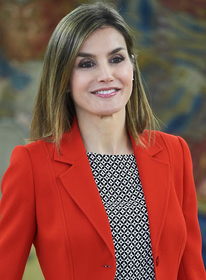 Queen Letizia met with the winners of the 2015 'National Fashion Awards