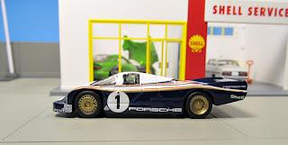 Spark  Porsche 1/64