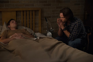 "Alexander Calvert as Jack and Jared Padalecki as Sam Winchester in Supernatural 14x08 ""Byzantium"""