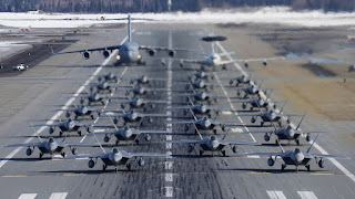 Jet Tempur F-22 Raptor USAF