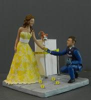cake topper personalizzato scena del crimine carabiniere orme magiche
