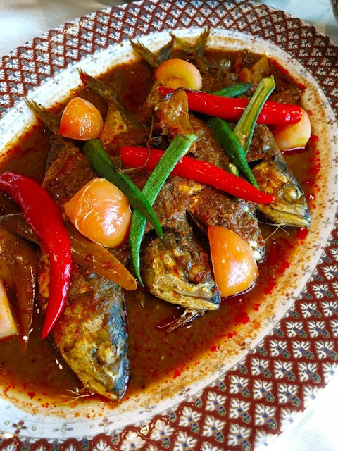 Mackerel in Hot  & Sour Gravy - Kembong Masak Asam Pedas