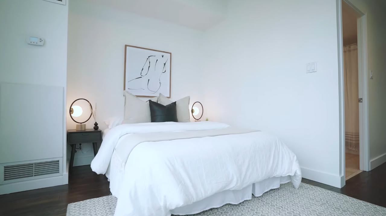 10 Photos vs. 228 Queens Quay West, Unit 2502, Toronto, ON - Luxury Condo & Interior Design Tour
