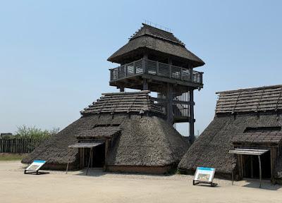 南内郭 竪穴式住居と櫓