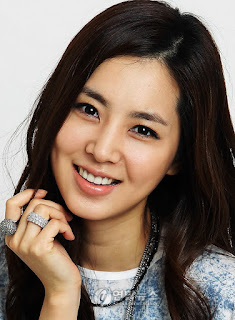 http://www.yogmovie.com/2017/11/han-chae-ah-korean-actress.html