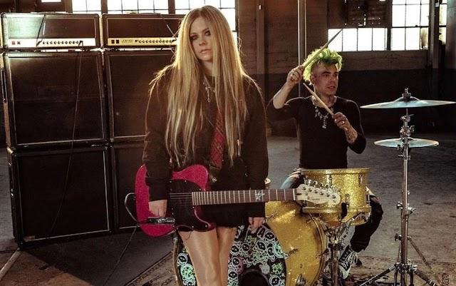 Mod Sun dice que la colaboración de Avril Lavigne en Flames surgió 'como magia'