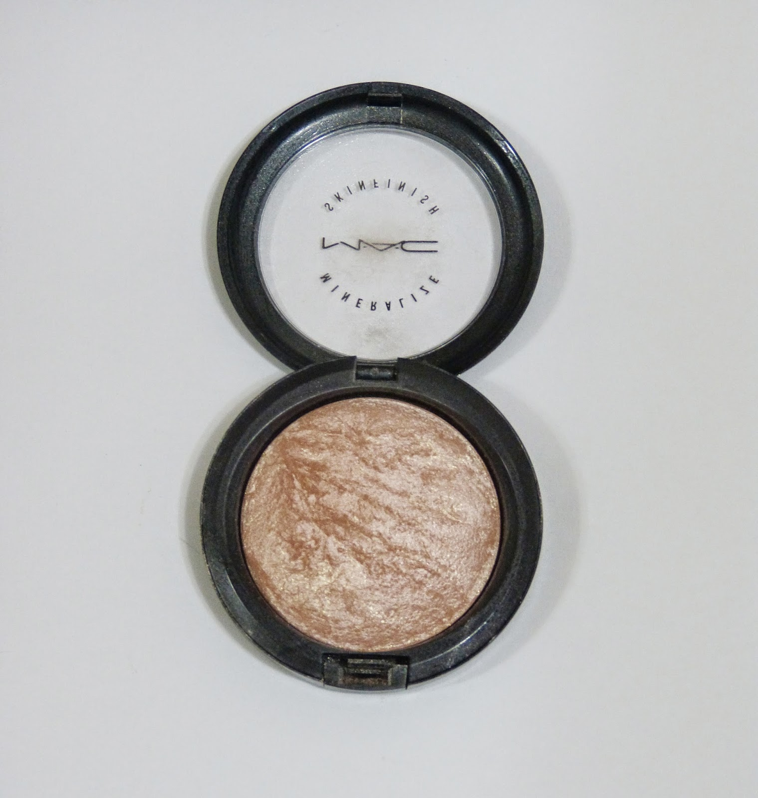 Iluminador MAC Mineralize Skin Finish Soft & Gentle