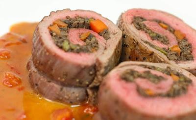 طريقة عمل اللحم الملفوف مع السبانخ والجبن الشيدر