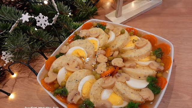 Ryba w galarecie z jajkiem i warzywami - Czytaj więcej »