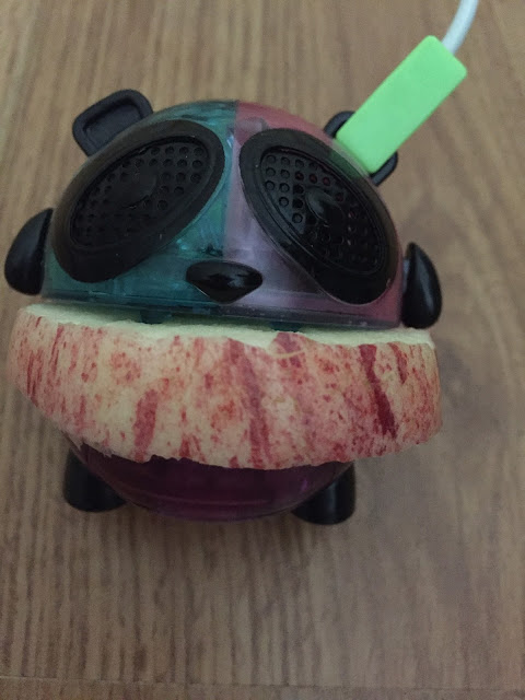 Panda apple speaker MC2