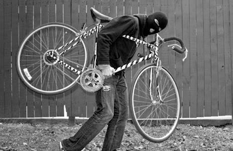 En Calle Blancos buscan a ladrón de bicicleta