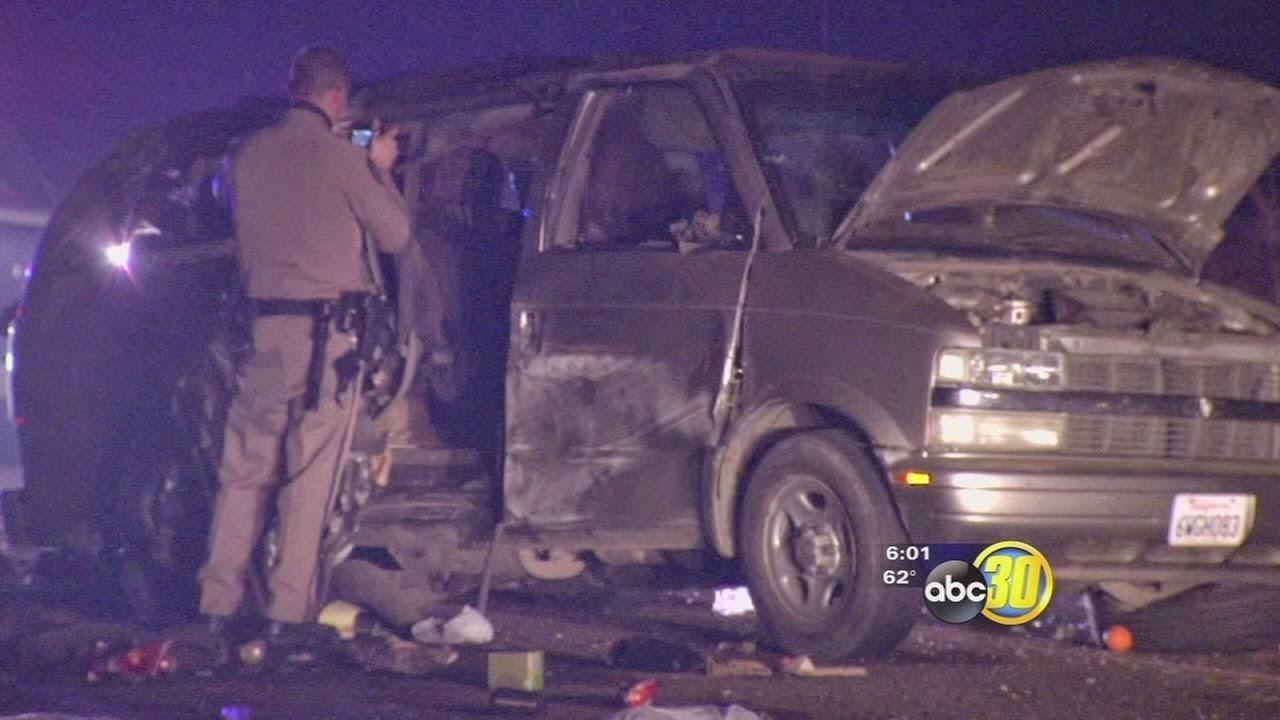 fresno county orange grove semi van accident four killed american avenue