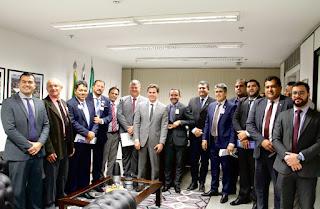 Vené recebe mais de 30 prefeitos e articula ações em favor de municípios da Paraíba