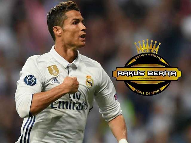 Zidane 'Hati-Hati Jika Mengkritik Cristiano Ronaldo'