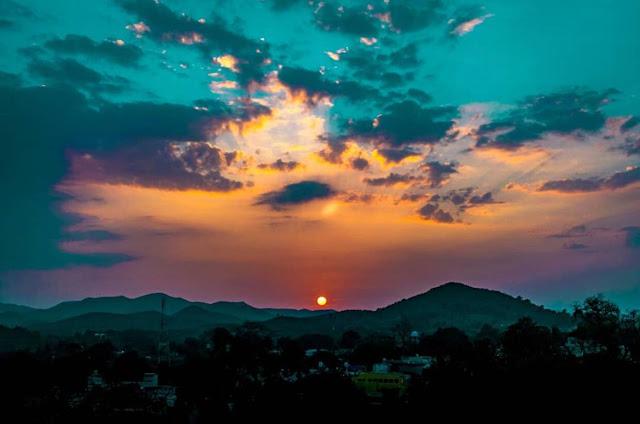 Sunset Point Daringbadi