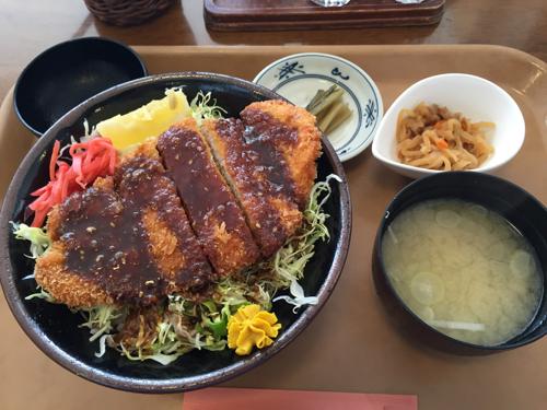 小淵沢の道の駅で食べた長野名物「ソースカツ丼」