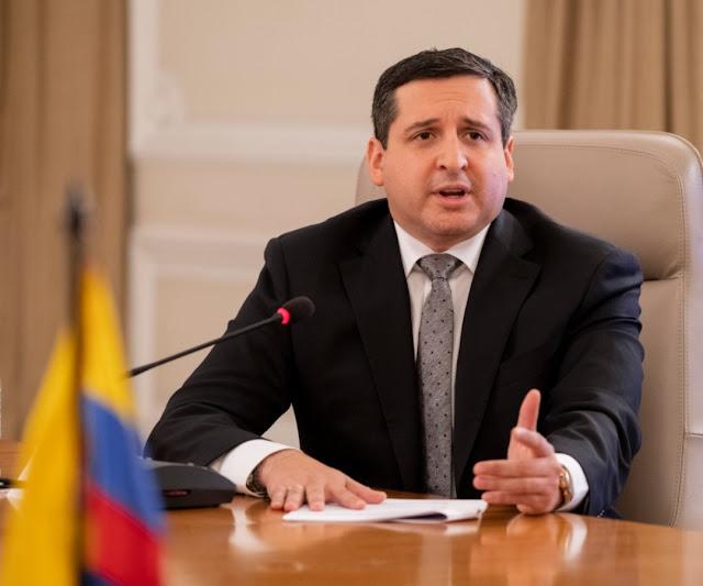 https://www.notasrosas.com/Dian convoca aspirantes para 1.500 empleos a nivel nacional