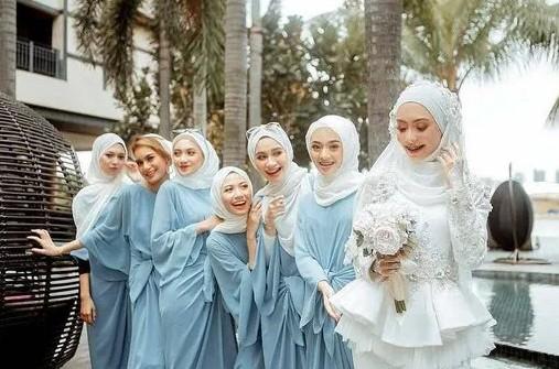 Dress Bridesmaids dan Keluarga