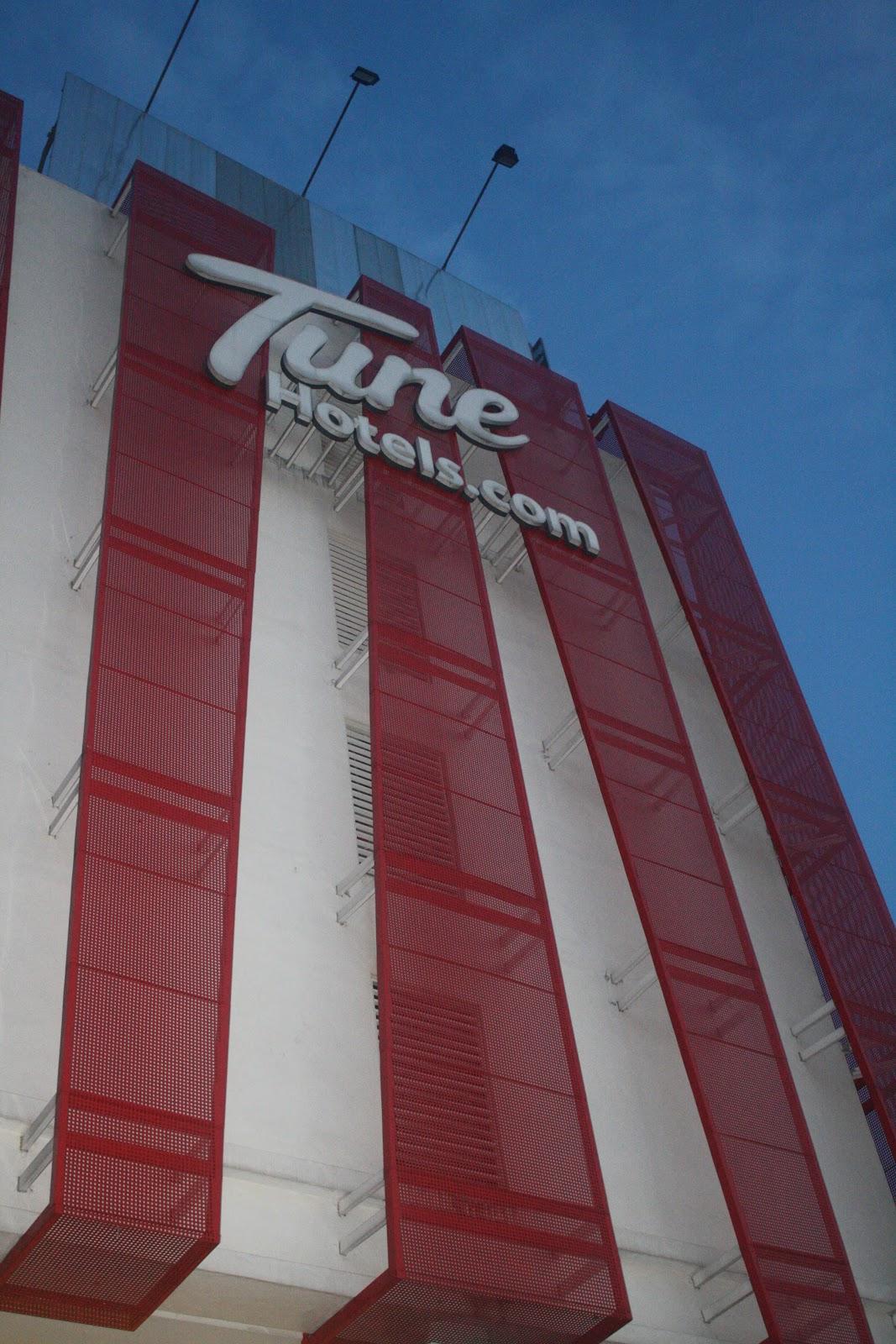Bas Dari Tune Hotel Jb Ke Uss [Siaya County]
