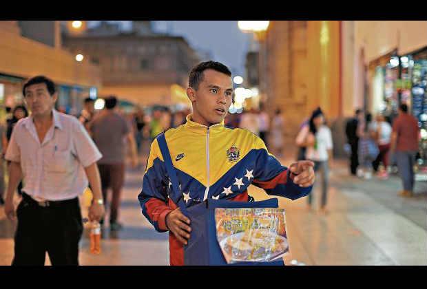 Migración venezolana en Perú descendió en más de 90% por exigencia de visa